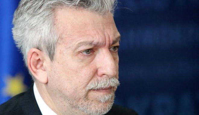 """ΣΥΡΙΖΑ: """"Ήταν δίκαιο, έγινε πράξη"""", η αποπομπή Κοντονή"""