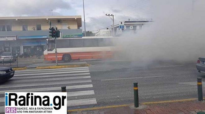 Στις φλόγες λεωφορείο των ΚΤΕΛ γεμάτο επιβάτες στη Μαραθώνος