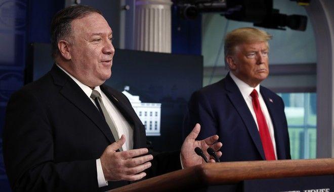 Ο πρόεδρος των ΗΠΑ μαζί με τον Υπουργό Εξωτερικών