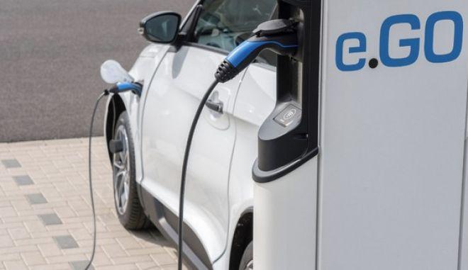 Δρομολογείται το πρώτο εργοστάσιο ηλεκτρικών αυτοκινήτων στην Ελλάδα
