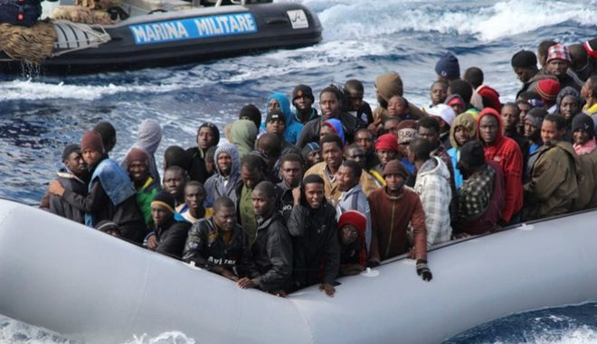 Στη Σικελία φτάνουν σήμερα 1.500 μετανάστες