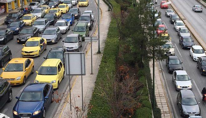 Κυκλοφοριακό χάος στην Αθήνα - Ποιοι δρόμοι είναι μποτιλιαρισμένοι