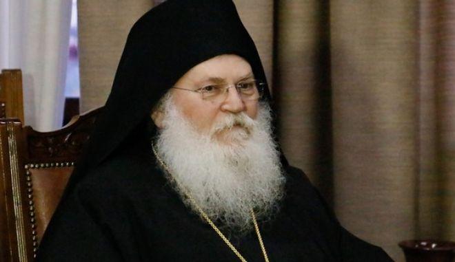 Κορονοϊός: Διασωληνώθηκε ο Ηγούμενος της Μονής Βατοπαιδίου Εφραίμ