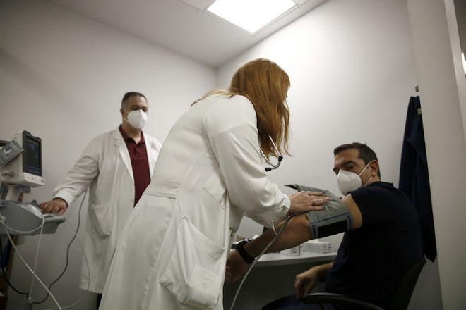 Εμβολιάστηκε ο Αλέξης Τσίπρας στον Ευαγγελισμό