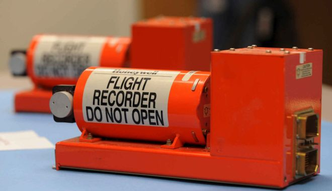 EgyptAir: Γαλλικό σκάφος θα συνδράμει τις έρευνες για τα μαύρα κουτιά
