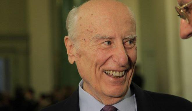 Ο τραπεζίτης, Γιάννης Κωστόπουλος