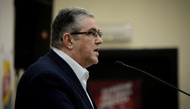 Ο γγ του ΚΚΕ Δημήτρης Κουτσούμπας σε ομιλία του