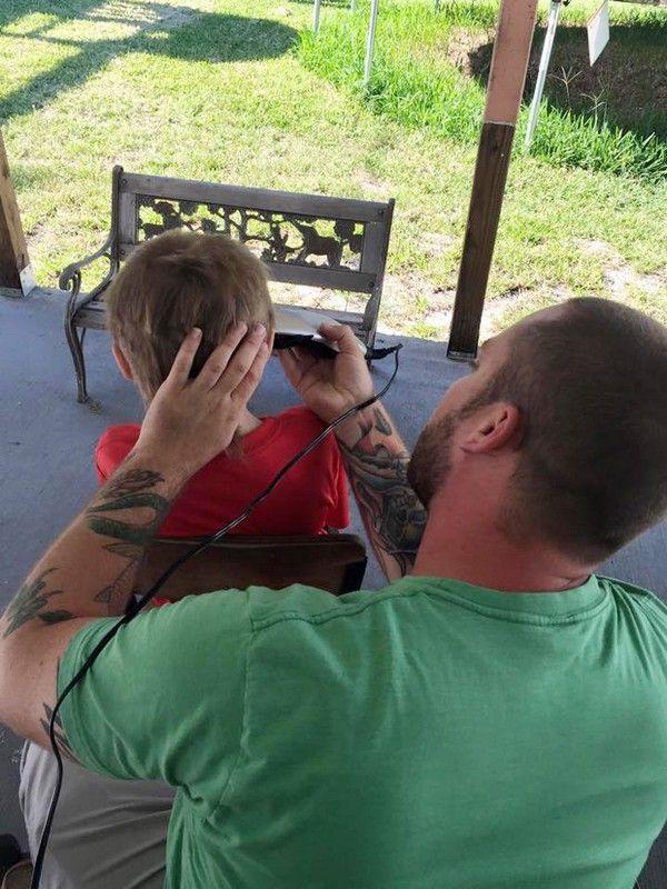 Bullying: Κορόιδευαν 8χρονο αγόρι για τα μακριά μαλλιά του. Η πράξη που τους αποστόμωσε