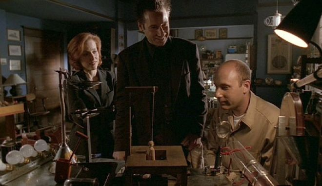 """20 χρόνια """"X-Files"""": Βάζοντας σε σειρά τις 9 σεζόν"""