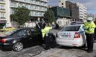 Έλεγχοι από αστυνομικούς σε πολίτες για την εφαρμογή των πρόσθετων μέτρων