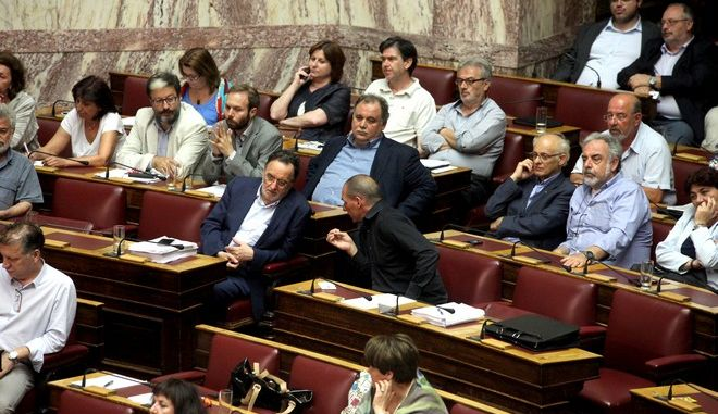 ΝΔ: Μπερδεμένα καλώδια οι βουλευτές του ΣΥΡΙΖΑ