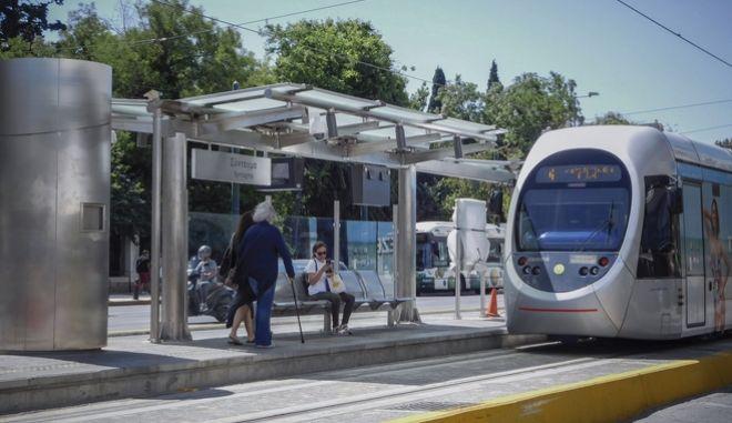 Στάση τραμ στην Αθήνα