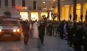 Βίντεο: Επική φάρσα σε γαμπρό που περίμενε την νύφη στην εκκλησία