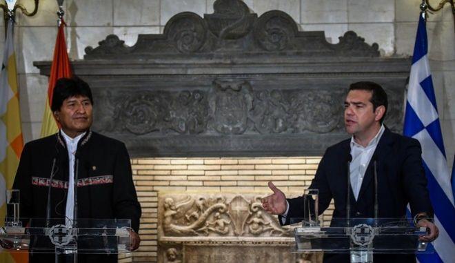 Στιγμιότυπο από τη συνάντηση του Πρωθυπουργού Αλέξη Τσίπρα με τον Πρόεδρο της Βολιβίας, Έβο Μοράλες