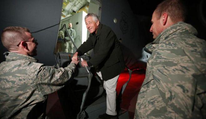 Επίθεση αυτοκτονίας κατά την επίσκεψη του νέου υπ. Άμυνας των ΗΠΑ
