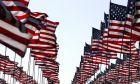 Η ετήσια τοποθέτηση σημαιών στο πανεπιστήμιο Πέπερνταϊν στη μνήμη των θυμάτων της 11ης Σεπτεμβρίου