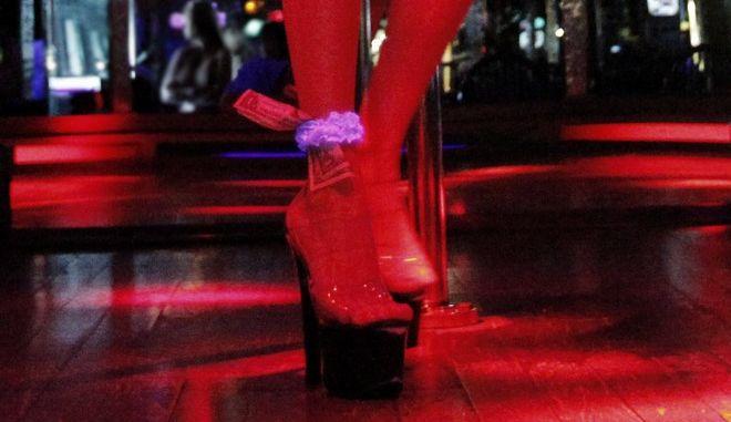 Χορεύτρια σε show