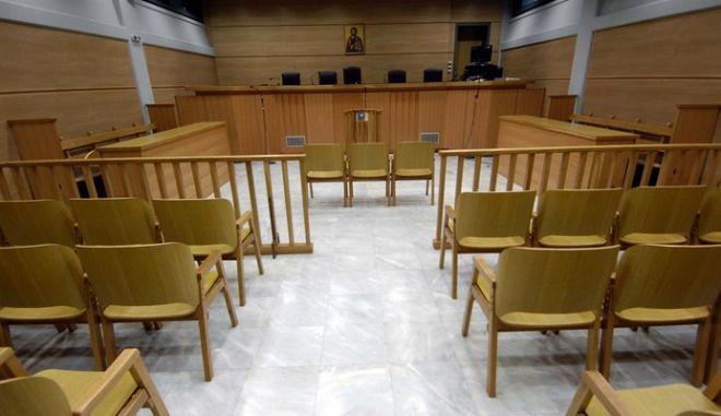 """Απροσδόκητη εξέλιξη σε δίκη για απόπειρα βιασμού 85χρονης: """"Πριν γίνω βιαστής, με βίαζαν"""""""