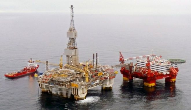 Νεκρός ένας εργάτης στη Νορβηγία μετά από κύμα που έπληξε εξέδρα γεώτρησης στη Βόρεια Θάλασσα