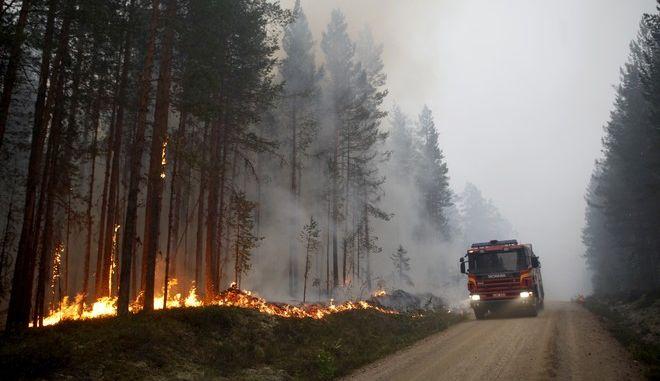 Φωτογραφία από τις φωτιές στη Σουηδία