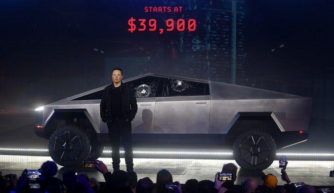 "Tesla Cybertruck: 146.000 ενδιαφερόμενοι έχουν δώσει ήδη προκαταβολή παρά το ""φιάσκο"""