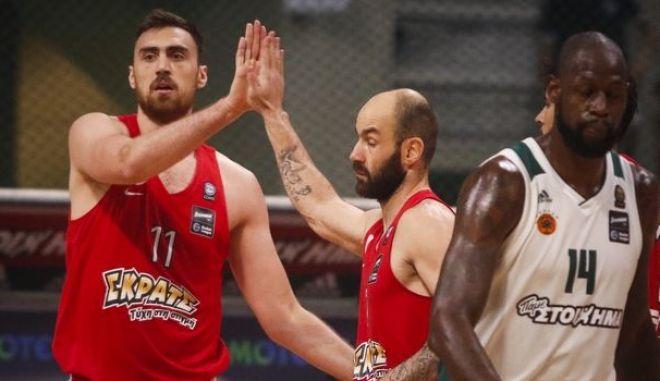 Ο Ολυμπιακός έσπασε την έδρα και το αήττητο του Παναθηναϊκού (75-65)