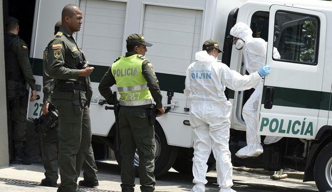 Η εισαγγελία της Κολομβίας επιβεβαίωσε ότι τρία πτώματα που βρέθηκαν στο νότιο τμήμα της χώρας ανήκαν στα δολοφονημένα μέλη δημοσιογραφικής αποστολής από τον Ισημερινό