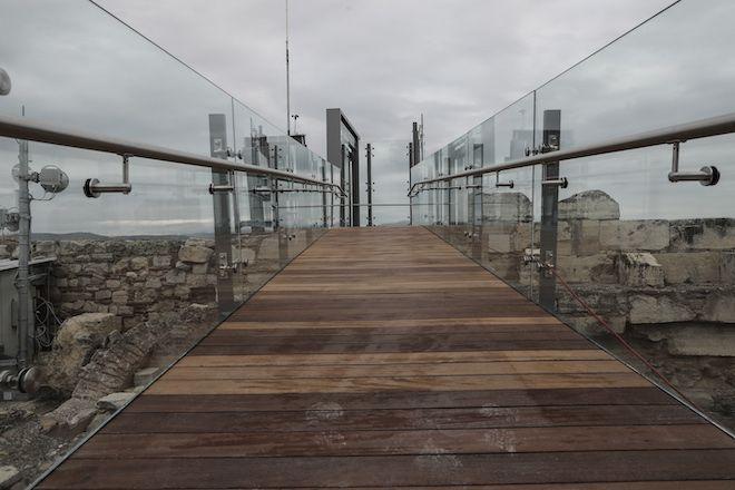 Εγκαινιάστηκε ο νέος ανελκυστήρας ΑμεΑ στην Ακρόπολη, 3 Δεκεμβρίου 2020