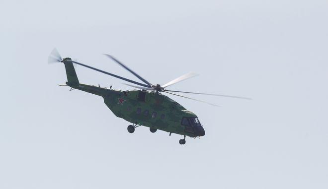 Στρατιωτικό ελικόπτερο. Φωτό αρχείου.