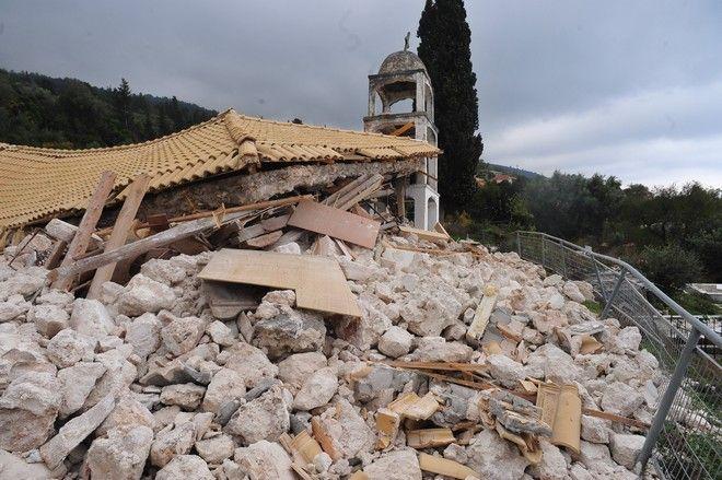 Ζημιές από το σεισμό των 6,1 Ρίχτερ, στο Αθάνι της Λευκάδας, την Τετάρτη 18 Νοεμβρίου 2015. (EUROKINISSI/ΑΝΤΩΝΗΣ ΝΙΚΟΛΟΠΟΥΛΟΣ)