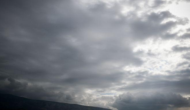 Έντονη νέφωση πάνω από την Αθήνα, Τετάρτη 4 Νοεμβριου 2020 (EUROKINISSI/ΤΑΤΙΑΝΑ ΜΠΟΛΑΡΗ)