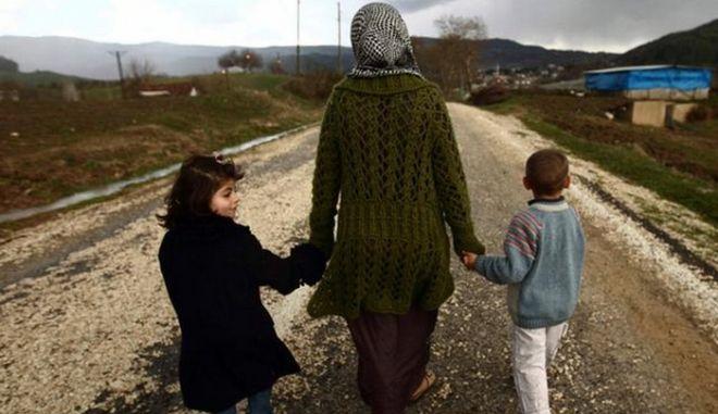 """Ύπατη Αρμοστεία OHE: """"Η αστυνομία """"εξαφάνισε"""" 150 Σύρους πρόσφυγες στον Έβρο;"""""""