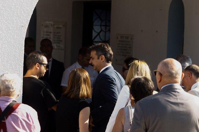 Ο πρωθυπουργός Κυριάκος Μητσοτάκης στο ετήσιο μνημόσυνο για τα θύματα της πυρκαγίας στο Μάτι