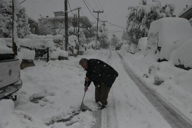 Χιονόπτωση στον Διόνυσο Αττικής