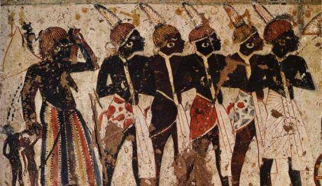 Άλειφαν με μέλι τους δούλους που υπηρετούσαν τον Φαραώ, για να κολλάνε πάνω τους οι μύγες!