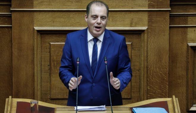 Ο Κυριάκος Βελόπουλος κατά τη συζήτηση στη Βουλή για τα εργασιακά
