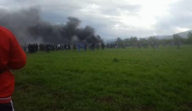 Συντριβή στρατιωτικού αεροσκάφους στην Αλγερία: Τουλάχιστον 105 νεκροί