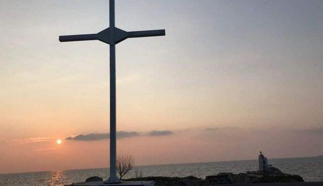 Μυτιλήνη: Στο αυτόφωρο 32 για το ξαναστήσιμο του διχαστικού σταυρού