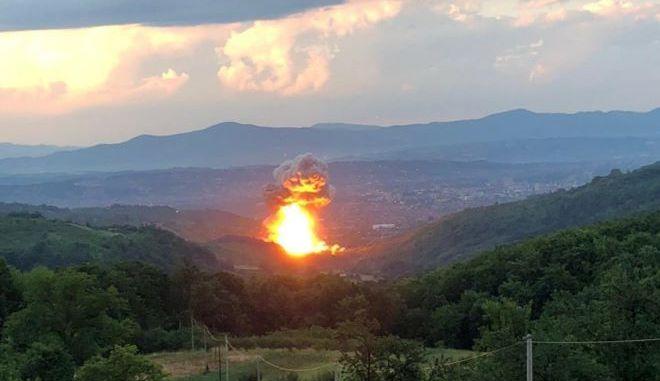 Ισχυρή έκρηξη σε εργοστάσιο πυρομαχικών στην Σερβία
