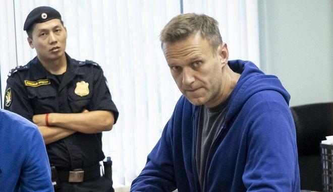 Ο ηγέτης της αντιπολίτευσης Αλεξέι Ναβάλνι σε δικαστήριο της Μόσχας
