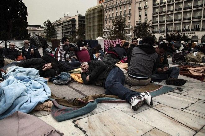 Solidarity march for Syrian refugees in central Athens on November 30, 2014. /         30  2014.