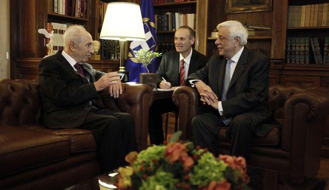 Συνάντηση του Προέδρου της Δημοκρατίας Προκόπη Παυλόπουλου, με τον πρώην Πρόεδρο του Κράτους του Ισραήλ Shimon Peres, την Κυριακή 5 Ιουνίου 2016, στο Προεδρικό Μέγαρο. (EUROKINISSI/ΓΙΩΡΓΟΣ ΚΟΝΤΑΡΙΝΗΣ)