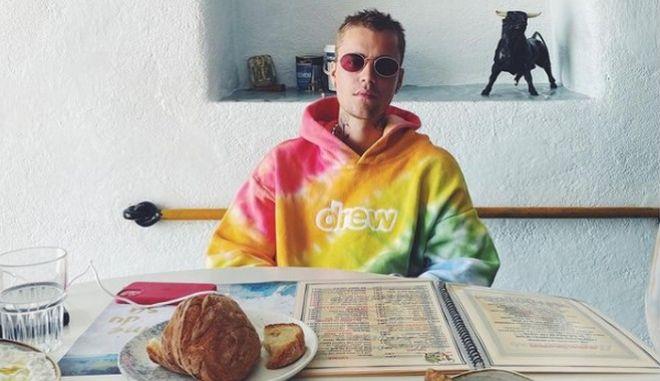Ο Τζάστιν Μπίμπερ απολαμβάνει τις διακοπές του στην Ελλάδα