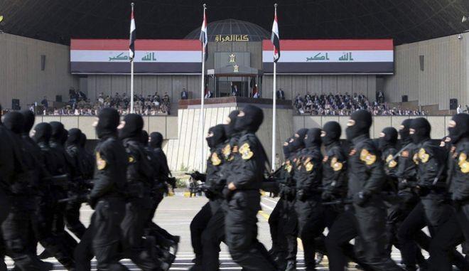 Ιράκ: Γιορτάζουν με παρέλαση τη νίκη επί του ISIS