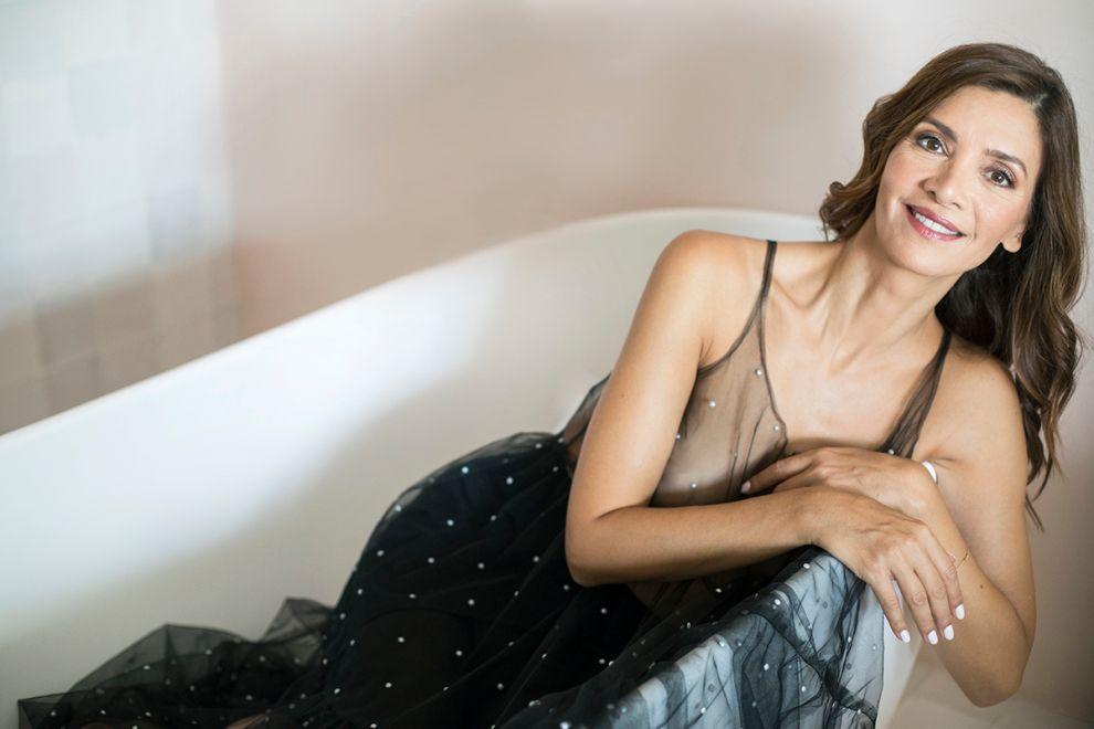 Η Κατερίνα Λέχου δεν θέλει να κρύβει τίποτα κάτω από το χαλί