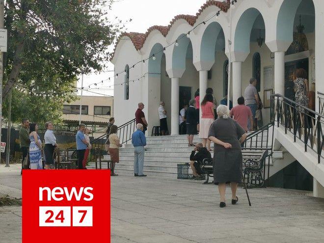 Άνοιξαν οι εκκλησίες: Mε αυστηρά μέτρα προστασίας οι λειτουργίες