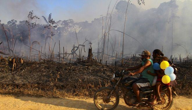 Εικόνα από τις φωτιές στον Αμαζόνιο