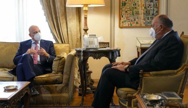 Αίγυπτος: Η Αν. Μεσόγειος στο επίκεντρο της συνάντησης Δένδια-Σούκρι