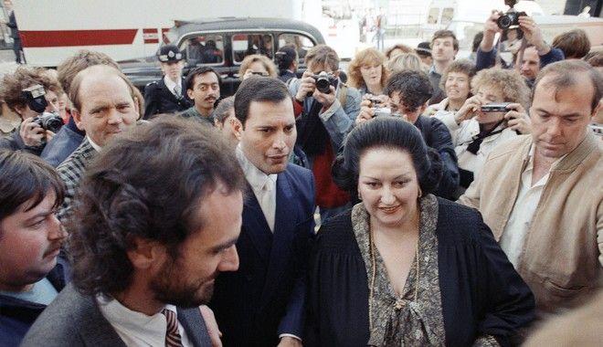 Η Μονσεράτ Καμπαγιέ μαζί με το Φρέντι Μέρκιουρι