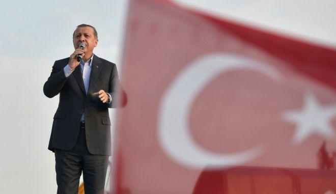 Απλά και δημοκρατικά: Ο Σουλτάνος Ερντογάν διορίζει πρυτάνεις στα πανεπιστήμια